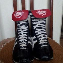 Спортивная обувь Liger