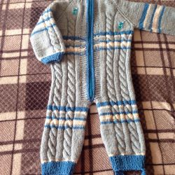 Knitted overalls