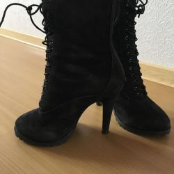 Μισό μπότες Corso Como