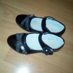 Shoes, 34r