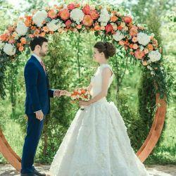 Arch γύρο στο γάμο, χωρίς την αναφορά των λουλουδιών