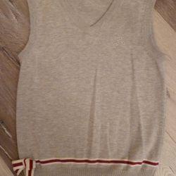 Gray school vest for girls