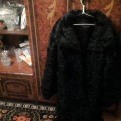 Bir kürk manto satarım.