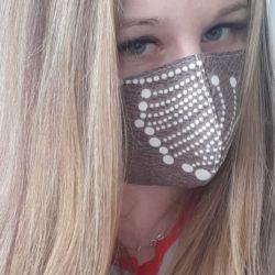 Yeniden kullanılabilir tıbbi maske kahverengi