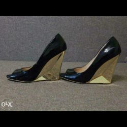 Ayakkabılar aşk cumhuriyeti