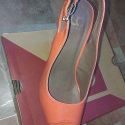 Стильні туфлі р.36 (23см) одягнені один раз (зараз