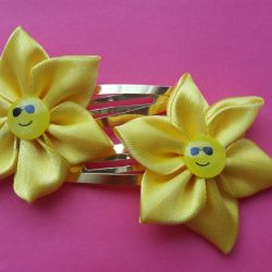 Smiley hair clips
