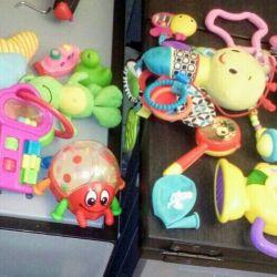 Продам игрушки б/у