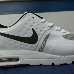 Nike Sneakers NEW 42/43