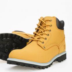 Οι μπότες είναι καινούργιες, από γνήσιο δέρμα