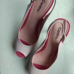 Sandalet iki çift