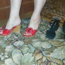 Slaps ve sandaletler