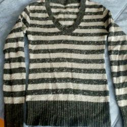 Second-hand semi-trailer. 46-48 size. Warm Knitted.