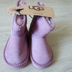 Ugg ugg children size 22 new