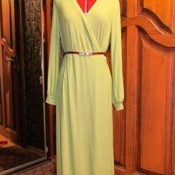 Urgent liquidation !!!!!! Long dress with a smell