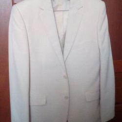 Кремовый пиджак