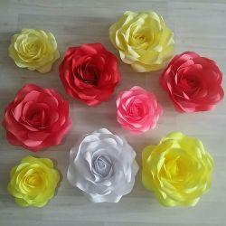 Gül kağıttan yapılmış çiçekler