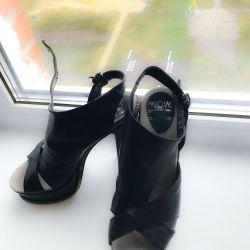 Sandals 👡 38r