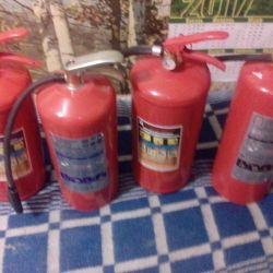 Вогнегасники і 3 пожежних шланга!