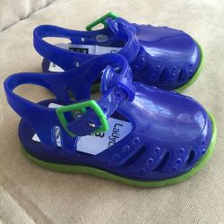 sandals 20R new crocs