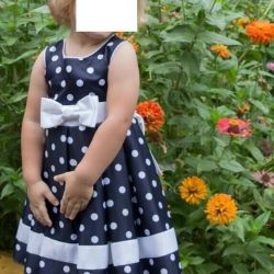 Beautiful dress for 2-3 g