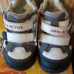 Adidași / cizme noi cu etichetă
