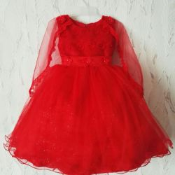 Dress red with a cape in hire