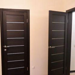Instalarea ușilor de intrare și interioare
