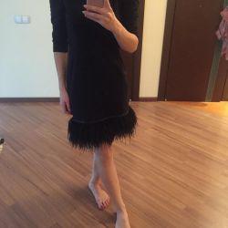 Ακριβά φόρεμα με φυσικά φτερά