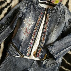 Jeans suit for the girl. New!