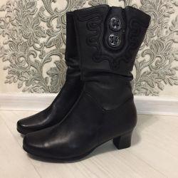 Нові чоботи натуральні повністю