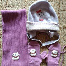 Sets hat, scarf, gloves