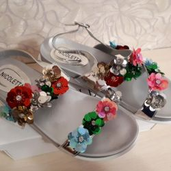 New size 40 sandals