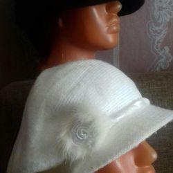 Καπέλα με γείσο και μπερέδες