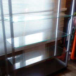 Showcase shelf