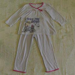 Kız için pijamalar