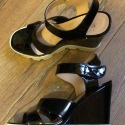 босоножки . Ботинки. размер 35