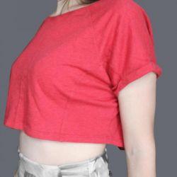 κόκκινο κορυφαίο μπλουζάκι
