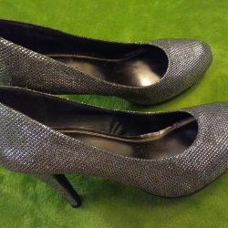 Серебрянные туфли новые 36-37 размер