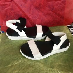 Urgently!!! Sandals size 35. Newest