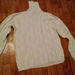 Новий білий в'язаний светр