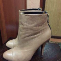 Zara Çizmesi
