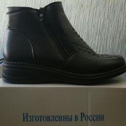 Женские новые ботиночки в коробках