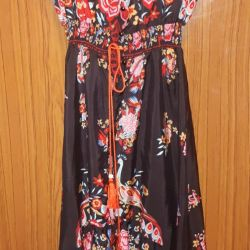 Dress in the style of DG