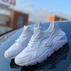 Sneakers fall