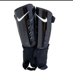 Shin guards with ankle protection