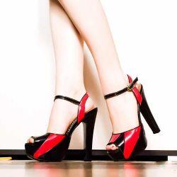 Mükemmel durumda sandalet, büyüklük 36. Deri yardımcısı