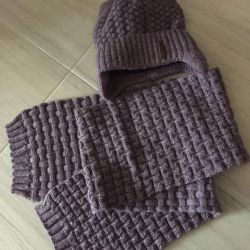 Hat and scarf for girls