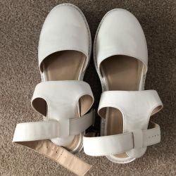 ASOS Sandalet