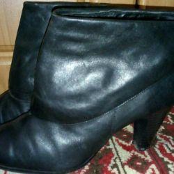 Δερμάτινες μπότες από αστράγαλο